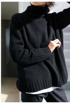 winter outfits sweaters 25 Grobstrick Pullover Out - winteroutfits Chunky Sweater Outfit, Sweater Outfits, Pullover Outfits, Legging Outfits, Casual Skirt Outfits, Casual Winter Outfits, Trendy Outfits, Black Roll Neck Jumper, Casual Sweaters