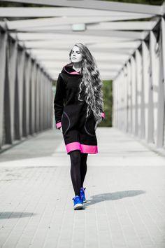 Casual Black/Pink Cotton Dress // Knee Length // Autumn by PeuShop Warm Dresses, Cotton Dresses, Casual Dresses, Black And Pink Dress, Hoodie Dress, Knee Length Dresses, How To Run Longer, Autumn, Hoodies