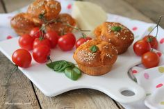 Muffins al succo di pomodoro, basilico e cuore di provola per Taste & More…