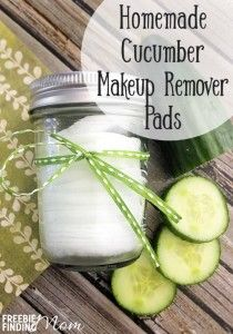 Do you want an all-natural, inexpensive way to remove your makeup? These cucumber scented homemade makeup remover pads require just five ingredients and only minutes to whip up and are just as effective as those pricey store-bought makeup remover pads. Plus as an added bonus, this homemade beauty product does not contain any harmful or irritating preservatives that may cause drying or stinging.
