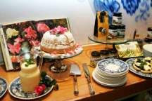 Check out our Top 10 High Tea Spots in Joburg and treat yourself and catch up on the latest gossip! Latest Gossip, Little Black Books, Best Places To Eat, Treat Yourself, High Tea, Restaurant Bar, Your Favorite, The Good Place, Table Settings