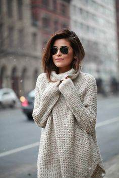 love the hem line of this sweater