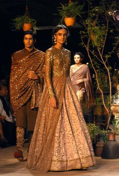 Sabyasachi - beautiful //Available at BIBI LONDON // Email Mandy on contact@bibilondon.com for info