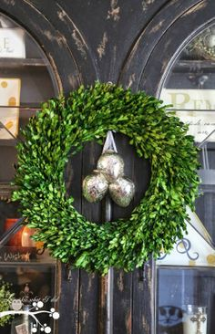 A Simple and Beautiful Easter Wreath