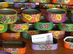 Latas - Hobbies paining body for kids and adult Home Crafts, Diy And Crafts, Arts And Crafts, Paper Crafts, Tin Can Art, Tin Art, Recycle Cans, Diy Recycle, Decoupage Tins