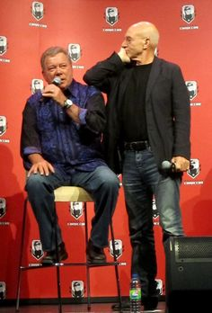 Captain, our Captains. William Shatner and Sir Patrick Stewart sharing a moment during a convention. Star Trek Crew, Star Trek Tv, Star Trek Movies, Star Trek Ships, Star Wars Art, Star Trek Gifts, Star Trek Episodes, Star Trek Images, Star Trek Characters