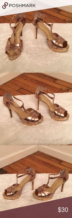 """Gianni Bini Rose Gold Heels Rose gold/copper-ish T strap peep toe heels. 5"""" heel with a 1"""" platform. Excellent used condition. Only worn once. Pet free smoke free home. No trades. Gianni Bini Shoes Heels"""