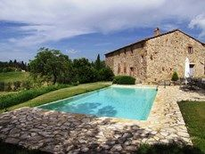 Looking for a Farmhouse rental in Tuscany, Castellina Scalo? Rosalia 3 will be your home away from home. Visit our user-friendly site with great photos and free Travel Advisors. Italian Life, Free Travel, Italy Travel, Ideal Home, Great Photos, Villa Tuscany, Trip Advisor, Condo, Scale