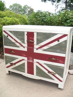 From the blog town and prairie, Union Jack dresser.