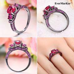 #EverMarker OMG so beautiful three-stone setting ring.