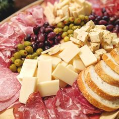 An impressive charcuterie board is the secret for easy entertaining! #charcuterieboard #charcuterie #meatandcheeseboard #appetizer  #cheese #meat #appetizer Elegant Appetizers, Appetizers For A Crowd, Holiday Appetizers, Yummy Appetizers, Appetizer Recipes, Quick Recipes, Quick Easy Meals, Easy Dinner Party Recipes, Artisan Cheese