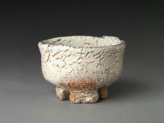 Oni Hagi Teabowl; Miwa Kyūsetsu XI (1910-2012); Stoneware with ash glaze | Metropolitan Museum