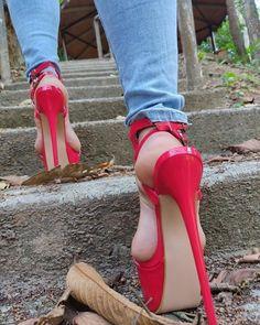 Extreme High Heels, Very High Heels, Hot High Heels, Platform High Heels, High Heels Stilettos, Stiletto Heels, Nylons, Pantyhose Heels, Girls Heels
