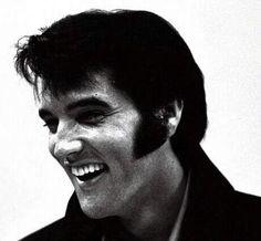 Elvis press conference , august 1 1969 in Las Vegas.