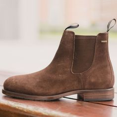 Dubarry Kerry men's Chelsea boot in cigar. Pair with jeans for an effortless look on colder days. Shop online in a range of colours. Ankle Boots Men, Chelsea Ankle Boots, Leather Ankle Boots, New Shoes, Men's Shoes, Sailing Boots, Country Boots, Shoe Tree, Classic Leather