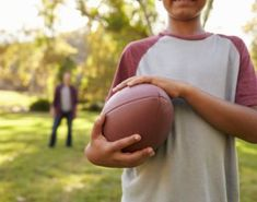Four Simple Strategies to Teach Children How to Learn - LearningWorks for Kids Parenting Issues, Kids And Parenting, Parenting Hacks, Tackle Football, Subscription Boxes For Kids, Working Memory, Family Life, Happy Family, Executive Functioning