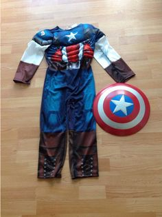 Marvel Avengers Captain America Dress-Up Costume with Sheild Age 7/8 book day