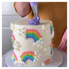 Cake Decorating Frosting, Cake Decorating Designs, Birthday Cake Decorating, Cake Decorating Techniques, Cake Decorating Tutorials, Cookie Decorating, Decorating Ideas, Easy Cake Designs, Pretty Cakes
