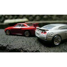 Yuk ah mumpung jakarta lg teduh kita jalan-jalan  Nissan GT-R R35  Nissan Skyline GT-R R34  #hotwheels #hotwheelsindonesia #hotwheelsaddict #hotwheelsphotography #hotwheelspics #hotwheelscollectors #hotwheelscollection #diecast #diecastcars #diecastcollectors #hobby #like4like #indiecarts #IndonesianDiecaster #IDregramtime #hotwheelsdaily #mattel #jdm #jdmgram #jdmcar #nissan #skyline #gtr34 #gtr35 #japancar #jakarta #indonesia by wisnuajilaksono
