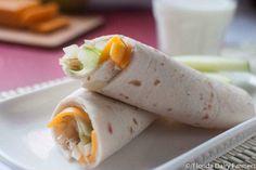 Rollos de manzana con queso Cheddar y mayonesa de yogur griego - IMujer Fresh Rolls, Florida, No Dairy Recipes, Healthy Recipes, Queso Cheddar, Canapes, Tostadas, Greek Yogurt, Onion