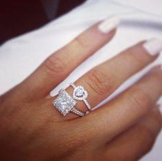 jewelry & fashion jewelry,handmade jewlery,luxury jewelry,jewelry making I like the heart ring! Photo Jewelry, Jewelry Box, Jewlery, Jewelry Watches, Jewelry Accessories, Fashion Jewelry, Heart Jewelry, Bling Jewelry, Wedding Jewelry