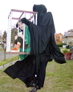 """What it originally said: """"Lord of the Rings costume--now I'm torn.atreyu flying on falcore OR a hobbit being captured by a Ringwraith."""" This is awesome. Original Halloween Costumes, Wicked Costumes, Homemade Halloween Costumes, Cool Costumes, Halloween Diy, Cosplay Costumes, Happy Halloween, Costume Ideas, Dementor Costume"""