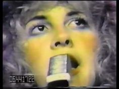 gold dust woman, osaka japan, december 4, 1977 one of my all-time favorite fleetwood mac performances. gives me the chills, every time.