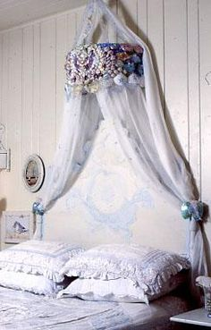 Shabby Shell Bed Crown & Bed - kind of cute Little Mermaid Bedroom, Mermaid Room, Crown Wall Decor, Bed Crown Canopy, Mermaid Bedding, Painted Cottage, Romantic Cottage, Big Girl Rooms, Luxury Decor