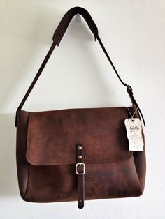 Vintage brown leather USPS mail bag by Crazy Horse (small size) - leather handbag for women Leather Craft, Leather Bag, Brown Leather, My Bags, Purses And Bags, Sac Week End, Basket Bag, Beautiful Bags, Leather Working