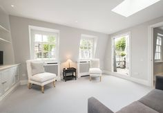 House for sale in Coleherne Mews, Earl's Court, London, SW10 | Lurot Brand