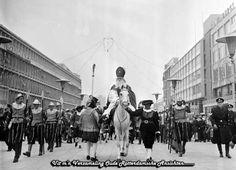 Intocht Rotterdam, Spaanse edellieden, twee Pieten en Sint op paard. jr. 60