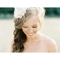 Ellie bridal hair piece wedding flower by ButtonsnBlossoms on Etsy. And I love how her hair is Wedding Hair And Makeup, Wedding Beauty, Dream Wedding, Wedding Hair Pieces, Wedding Veils, Wedding Looks, Bride Hairstyles, Wavy Hair, Bridal Headpieces