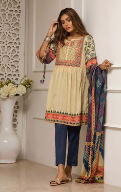 Oaks Elnaz Festive Collection 2018 Turkish Tile Lawn with model Zara Abid Pakistani Frocks, Simple Pakistani Dresses, Pakistani Fashion Casual, Pakistani Dress Design, Pakistani Outfits, Simple Dresses, Indian Outfits, Indian Dresses, Frock Fashion