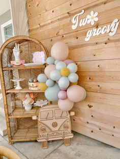 Second Birthday Ideas, Third Birthday, 2nd Birthday Parties, Hippie Birthday Party, Hippie Party, Birthday Backdrop, Balloon Decorations Party, Party Entertainment, Backdrops For Parties