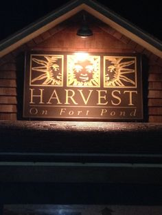 Montauk. Harvest on Ft Pond