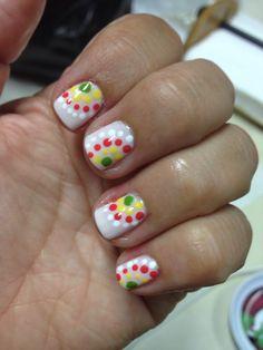 Dots nails colorfull