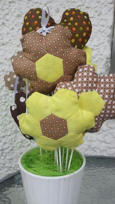 Patchrikytica osem kvetiniek + srdiečko .... nikdy nezvädne :)