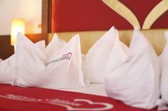 Galerie-Suite 509 Bett Hotel Alpen, Spa, Bed Pillows, Pillow Cases, Room, Environment, Luxury, Bed, Pillows