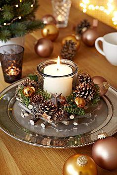 Amazon.de: Heitmann Deco Adventsgesteck - Tischgesteck mit Glas-Windlicht für Kerzen - fertig