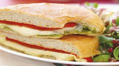This is the Italian Grilled Cheese recipe. Grill Cheese Sandwich Recipes, Panini Sandwiches, Meat Sandwich, Grilled Cheese Recipes, Delicious Sandwiches, Entree Recipes, Lunch Recipes, Lactose Free Ice Cream, Vegetarian Pesto