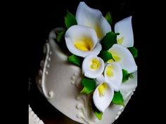Sugar Gum Paste Flowers-How to make Sugar Paste Calla Lilies-Cake Decoration-Pastry School - YouTube