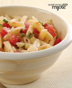 Pasta salad is a potluck favourite. Impress the crowd with our Easy Italian Pasta Salad - it's fresh, flavourful and (best of all! Potato Salad Recipe Easy, Pasta Salad Recipes, Italian Soup Recipes, Cooking Light, What's Cooking, Pasta Salad Italian, Healthy Baking, Soups And Stews, Food Network Recipes