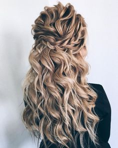 Finding just the right wedding hair for your wedding day is no small task but we're about to make things a little bit easier.From soft and romantic, to classic with modern twist these gorgeous Half up half down hairstyles with gorgeous details will inspire you... #weddinghairstyles