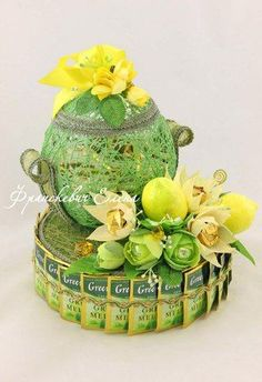 Gift Bouquet, Candy Bouquet, Food Gifts, Craft Gifts, Ganpati Decoration At Home, 3d Quilling, Chocolate Bouquet, Crepe Paper Flowers, Girly Gifts
