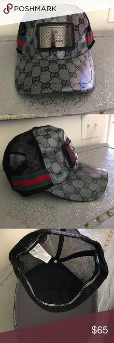GUCCI Truckers Hat Gray signature shiny canvas / Buckle GUCCI / striped red & green, truckers hat. GUCCI Accessories Hats