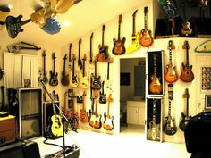 25 New Ideas Music Room Man Cave Instruments Guitar Storage, Guitar Display, Home Music Rooms, Music Studio Room, Guitar Wall, Guitar Room, Music Furniture, Recording Studio Home, Home Bar Designs