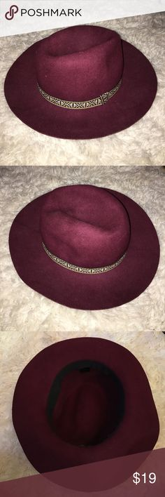 Maroon fedora I got this from an antique shop in Seattle and LOVE it but my head is big and it gives me a headache😂 Hoping someone will love this as much as I do! Accessories Hats