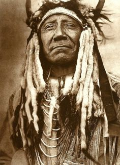 Two Moons- Northern Cheyenne Chief 1910, pic. Taken by Edward Curtis.
