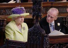 Zatímco královna měla po celou dobu téměř neměnný výraz, princ Phillips se bavil