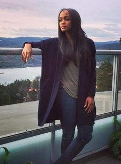 The Bachelorette Rachel Lindsay's Dresses and Outfits - Vince cardigan and jeans
